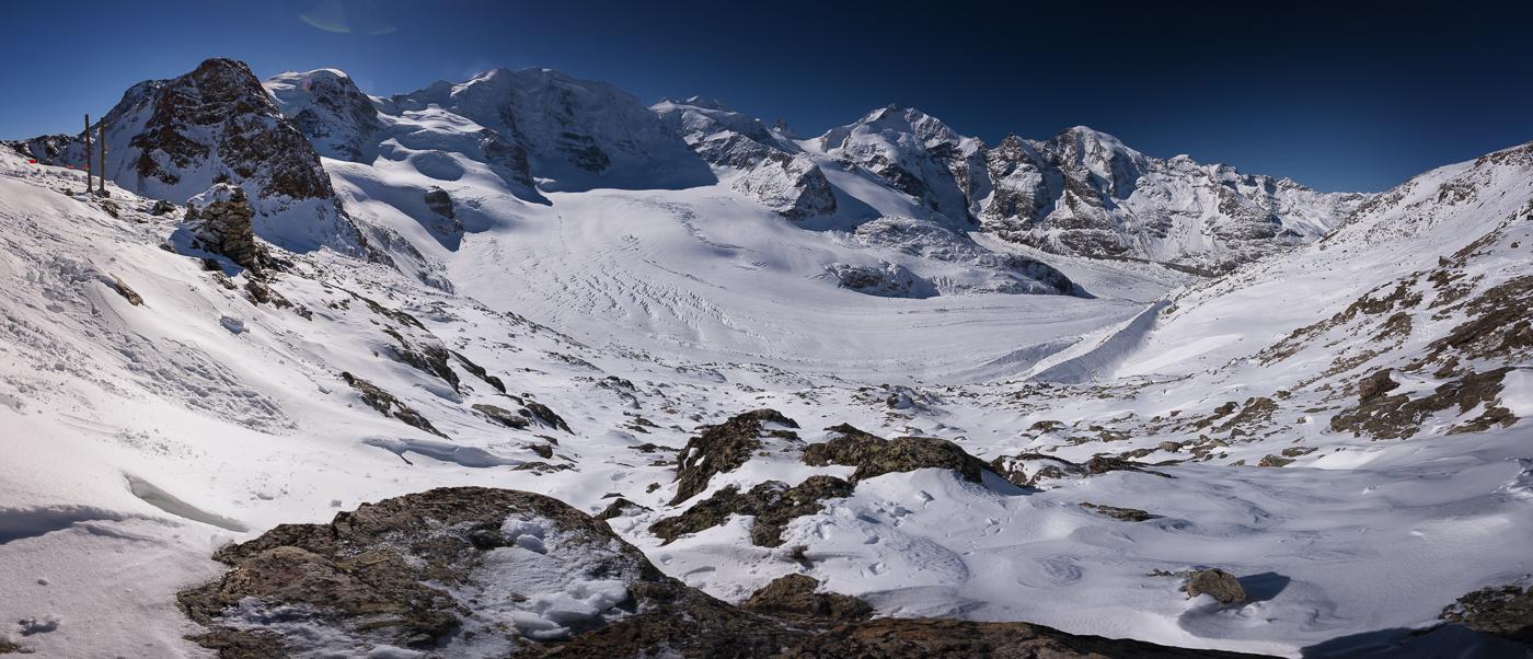 Das Bernina Massiv mit Morteratsch Gletscher von der Diavolezza aus gesehen